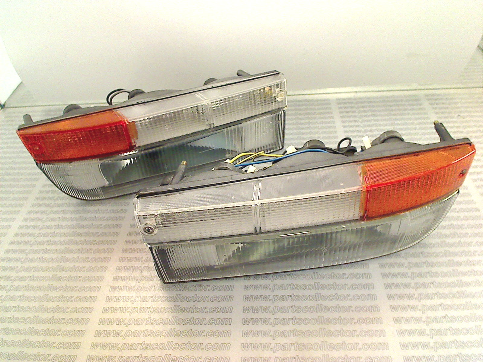 PAIR OF FRONT INDICATORS FOG AND PARKING LIGHTS